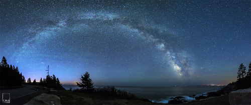thenewenlightenmentage:   Majestic Milky Way Shines Over Acadia National Park