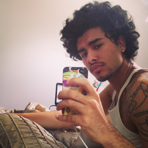 pharaohlaith:  Major bed head…. Jeeez