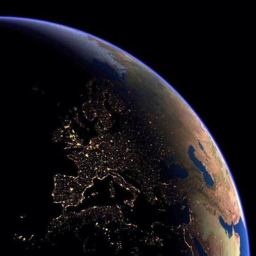 thisfunnyuniverse:  Europe at night from Space.
