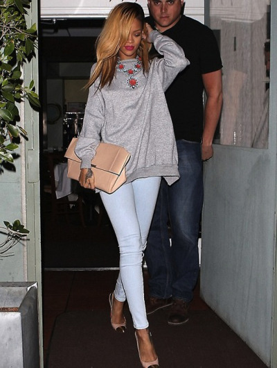 thefashionbomb:  Get the Look: Rihanna's Giorgio Baldi J Brand Mid Rise Skinny Stretch Jeans, Prada Spring 2012 Crystal and Resin Flower Necklace, Christian Louboutin Duvette Pumps, and Céline Nude Folded Clutch
