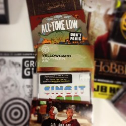 Last day at botany! So this is what I play in store #alltimelow #thegetawayplan #singitloud #falloutboy #yellowcard