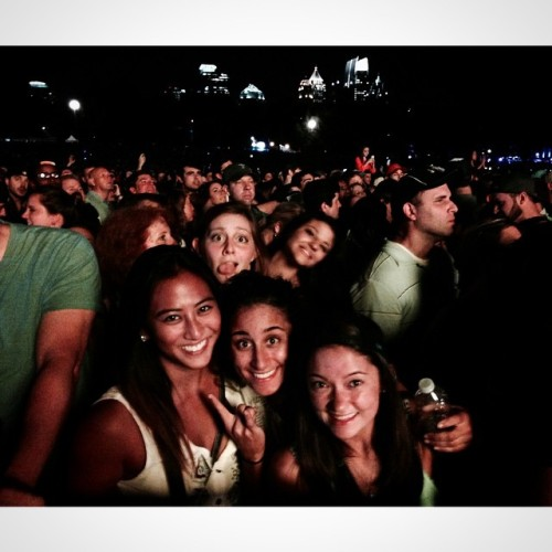 Can't even be mad that crazy white girls be ruining pictures. Amazing weekend with a couple of my favorite human beings of all time! Thanks, #MM2014! || 📷 credit: @marissareg. 🌙⭐️🌆🎶😁☺️😄👍�