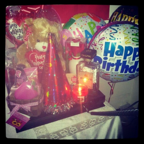 #bday #presents #iloveuall♥ thanks to everyone that wished me happy bdays n for my presents n jus having my closest friends n family together it made my birthday perfect ♥