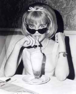 suicideblonde:  Sue Lyon at the 1955 premiere of Lolita