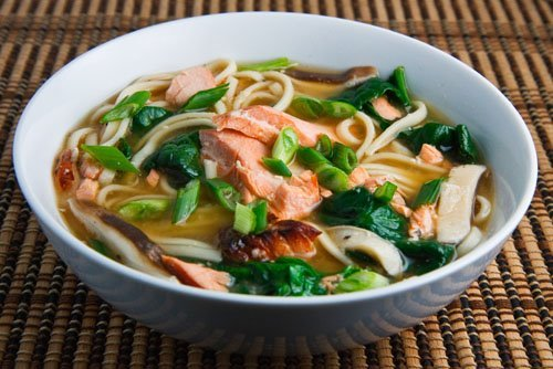 eatsalaska:  Teriaki (Alaskan) salmon soup, involving maitake 'shrooms, spinach, miso, and the odd noodle.  Via