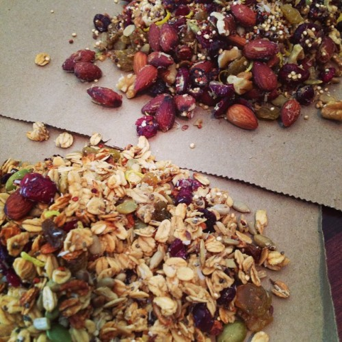 Lemon Coconut Ginger Granola two ways (both #glutenfree): oat #granola (front) and #quinoagranola (back). Packed with #superfoods like #chiaseeds, #flaxseeds, and #raw dried #berries. Plus, plenty of nuts and seeds. #Oilfree, #refinedsugarfree, and #wholesome.