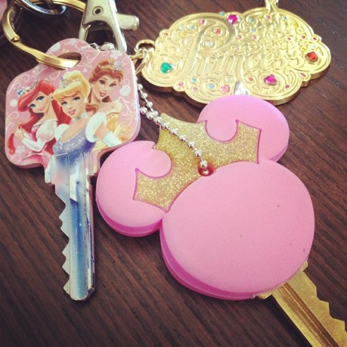 My babe got me presents yesterday ❤ don't think my keys can get more princessy ☺ #princess #disney #keys #charm #cinderella #ariel #belle