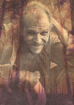 vikings-confessions:  Floki Dokie   Can you believe this guy is related to Alexander Skarsgard?!