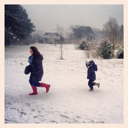 #Postchurch #snowball #fight at #LangdonPark, #Teddington | #snow #uksnow #winter #winterwonderland #Twickenham #Richmond #London   (at Langdon Park, Teddington)