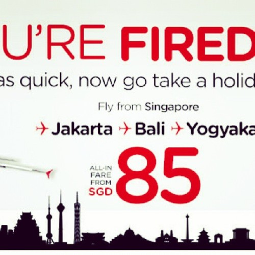 The worst advert in the world. Bad job air asia, no one will be enticed to being fired. Siaow lang!