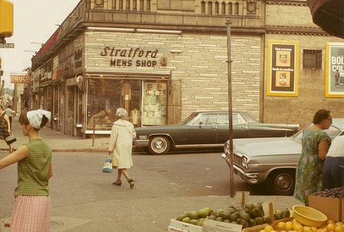 fuckyeahvintage-retro:  Bronx, NY (1960s)  I wonder where in the BX this was…