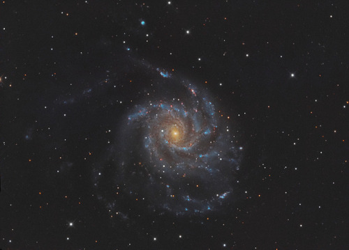 M101 - Pinwheel Galaxy by John.R.Taylor on Flickr.