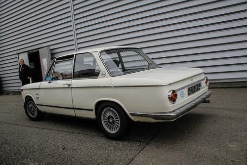 BMW 1802 on Flickr.BMW lors de la dernière bourse d'échanges Auto Rétro de Colomiers