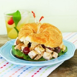 (Apricot Chicken Salad)