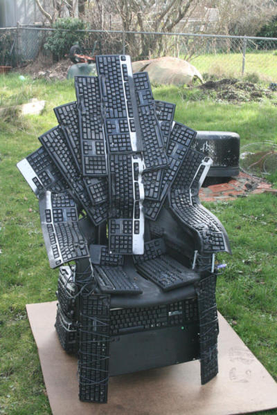 cnet:  'Game of Thrones' chair made from melted keyboards