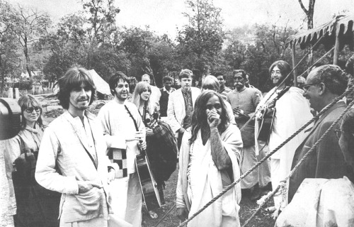 Sing-along in India March 1968 - Cynthia, George, Paul, Pattie, Jane and John following Maharishi, with blankets and guitars in hand, to the banks of the Ganges River for a group sing-along at the Rishikesh ashram. Press photo currently listed on ebay. It can be yours for $399.95 - OUCH!Auction #321115117767