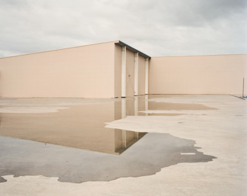 yetmagazine:  Transient Realities by Chris Round, selected by Davide Morotti