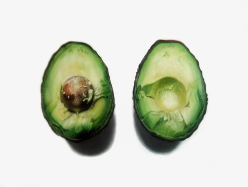 neutralistic:   moderntoronto:  Super realistic avocado painting by Erin Rothstein  before reading that, i didn't even realise this was a painting, woah