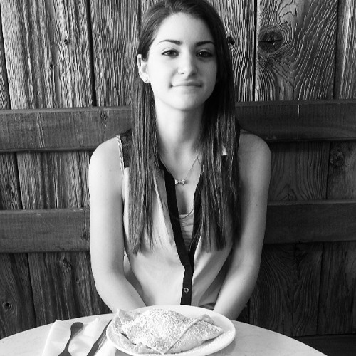 The girlfriend's first time having crepes on our 10 months #myupload #girl #girlfriend #beautiful #bw #wood #restaurant #crepes #food #smile #happy #anniversary #love #couple  (at Sook Pastry Shop)
