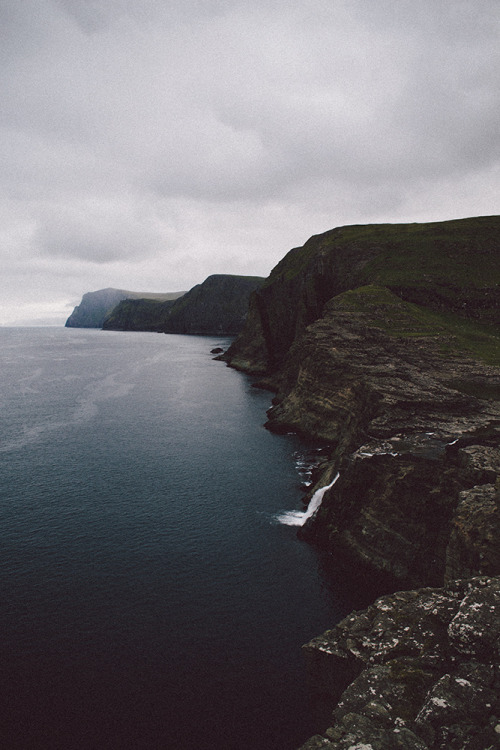 hellanne:  faroe #07 (by níls)