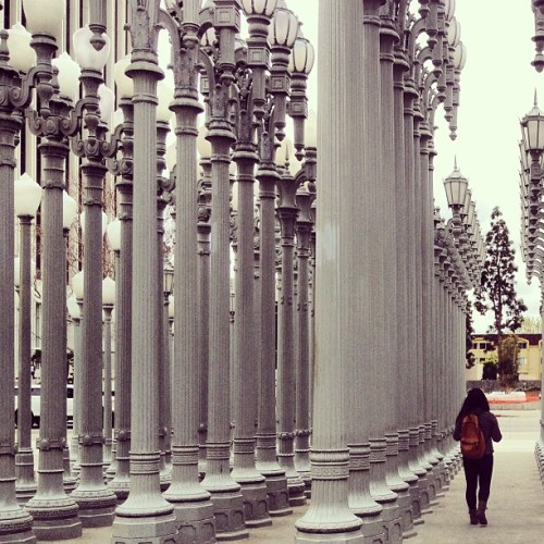 Gloomy day at #lacma 😣 #losangeles #rain 🌂 (at Los Angeles County Museum of Art (LACMA))