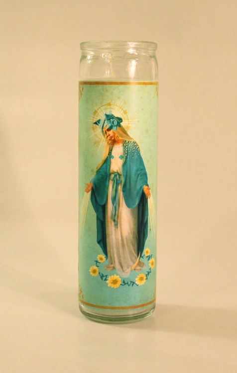 Saint Gwen candle available at IdolKill.com!  Submitted by IdolKill