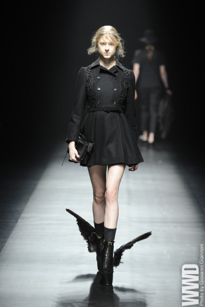 womensweardaily:   Christian Dada RTW Fall 2013  Dat dress… Those shoes..