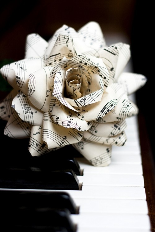 vintagemarlene:  sheet music flower on keyboard (via www.simplypaperie.com)