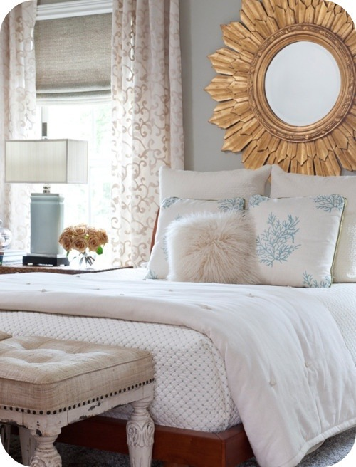 justbesplendid:  pretty bed  Some inspiration for the Spring, in our colours too.