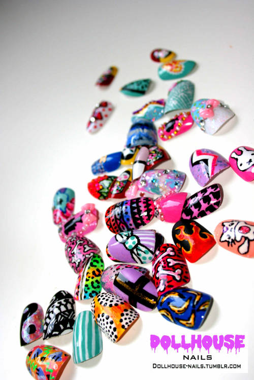 prettyproject:  dollhouse-nails:  New nail designs for my nail art menu!! Hopefully will be done soon!  Love it!