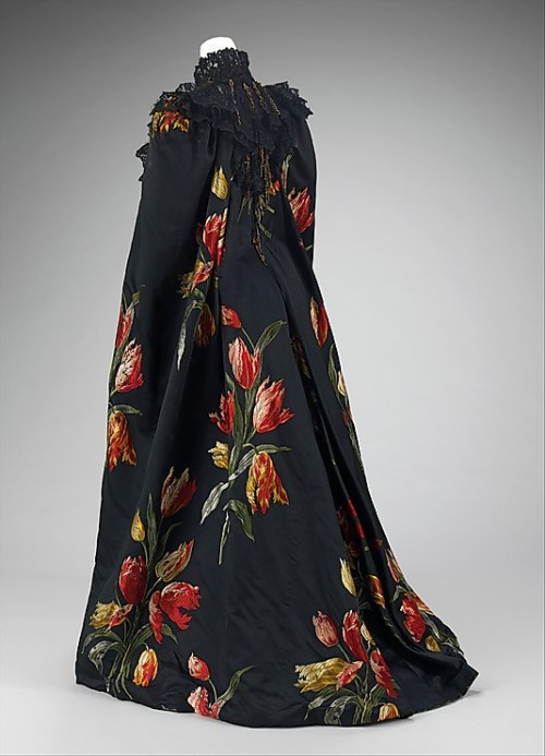 omgthatdress:  Cape Charles Fredrick Worth, 1889 The Metropolitan Museum of Art