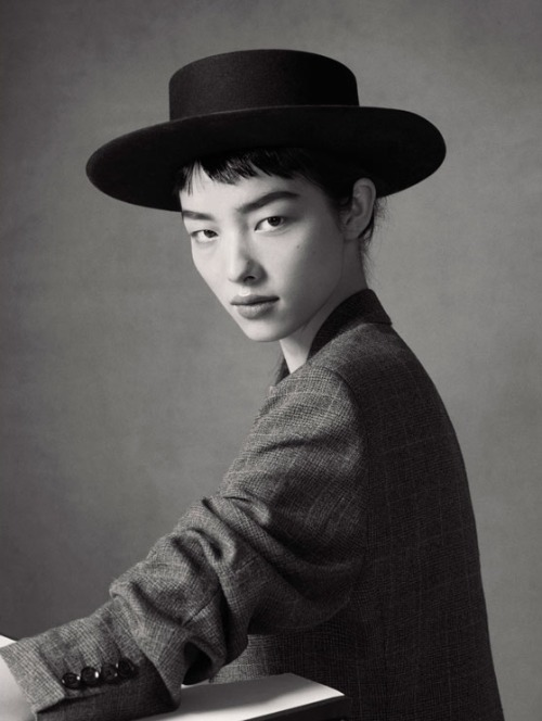 timeless-couture:  Fei Fei Sun photographed by Christian MacDonald