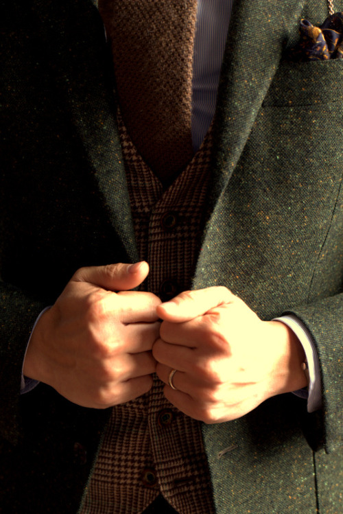 lnsee:  Green Donegal by Caccioppoli made by Ring Jacket Made to Measure (Trunkshow March 22-23)Tweed Vest by Ring JacketSorley Wool Cashmere Knit Tie All at the Armoury