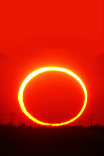 vurtual:  Ring of fire sunset (by Fabrizio Melandri)2012 May 20 annular eclipse as seen from Lake JB Thomas (Texas)