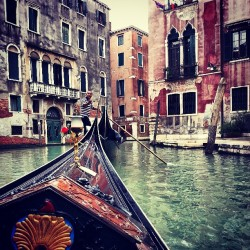 Oh yeah, I went on a gondola ride yesterday. #gondola #Italy #Venice #canal #travelling