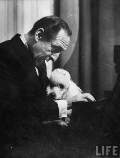 Vladimir Horowitz and poodle Photo by Gjon Mili, 1965 - LIFE archive More posts: LIFE | Gjon Mili | Vladimir Horowitz