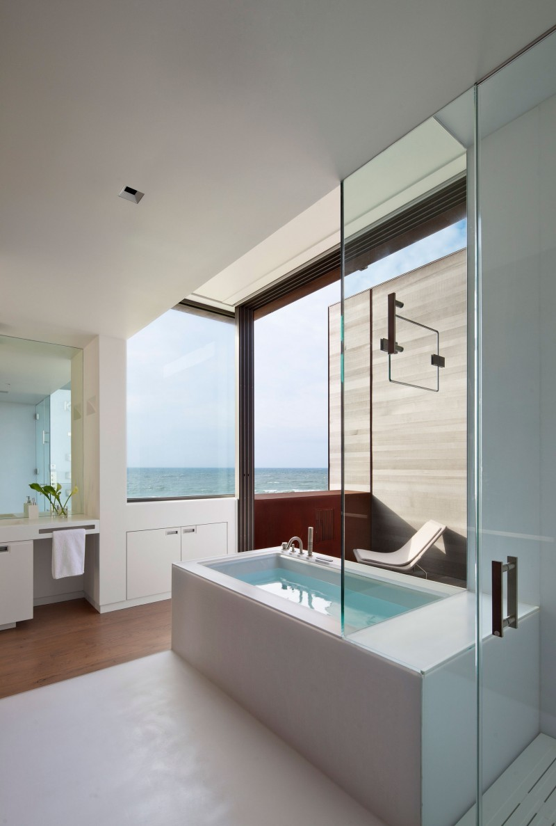 misternonki:  Sagaponack by Bates Masi Architects  (via HomeDSGN)