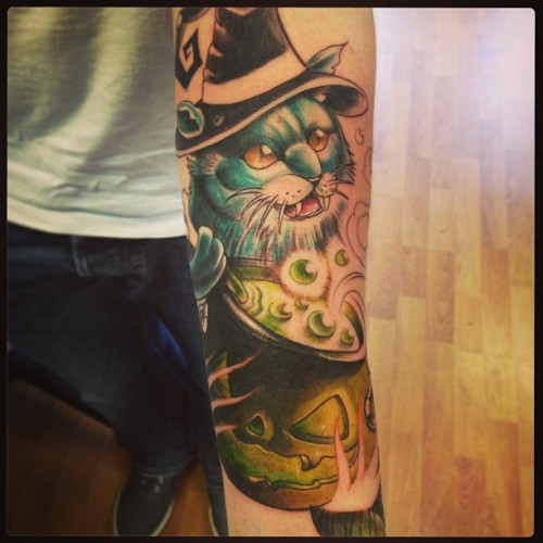 From today, with Dale from the UK!! Not finished!!! #tattoo #halloween #cat #witch #pumpkin #willemxsm