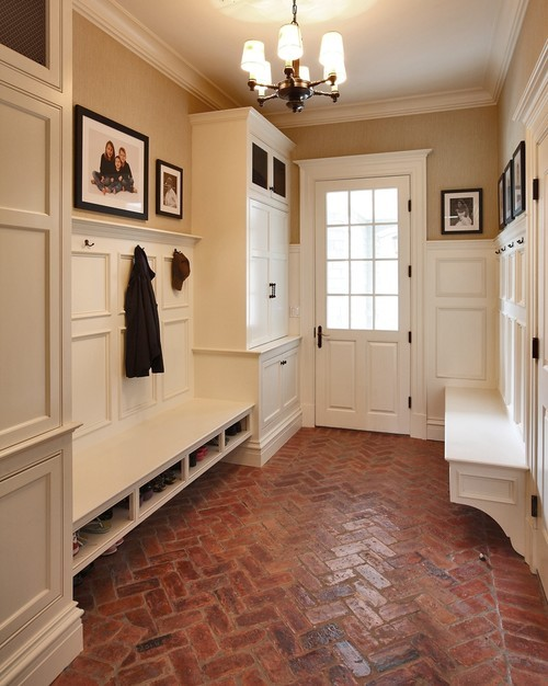 georgianadesign:  Hunting Ridge Road mud room, NY. Country Club Homes.