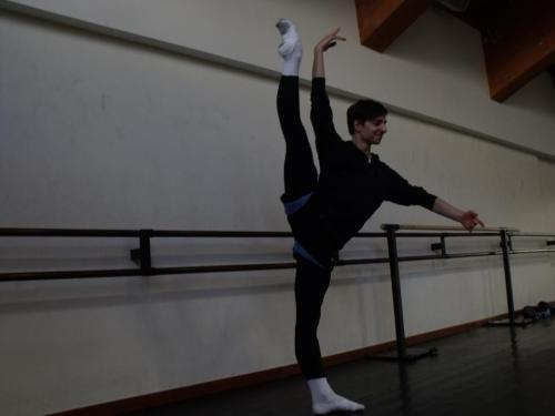 lovingdancer:  balletguystuff:   Feet.