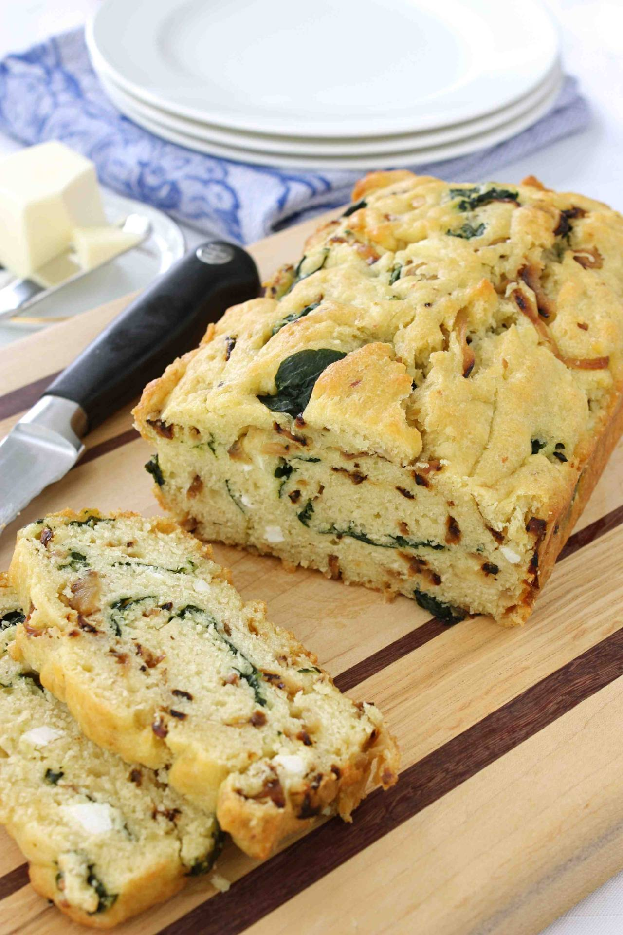 prettylittlepieces:  Caramelized Onion & Spinach, Olive Oil Quick Bread