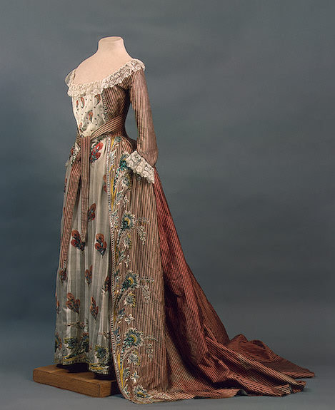 Court dress of Empress Maria Feodorovna of Russia (Sophie Dorothea of Württemberg) from the 1780s.
