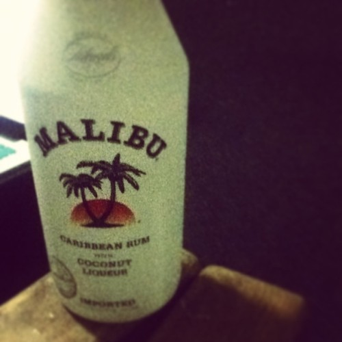 Malibu for two. @steph8210 #malibu #justus #fortwo #wegood #oneofthosenights #yeeee #turntup