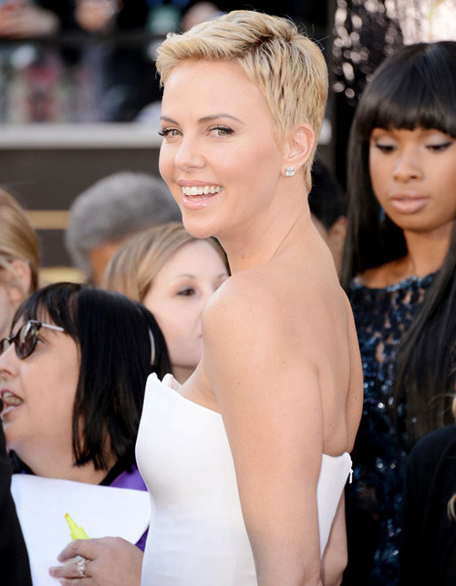 Charlize Theron | Oscars Red Carpet