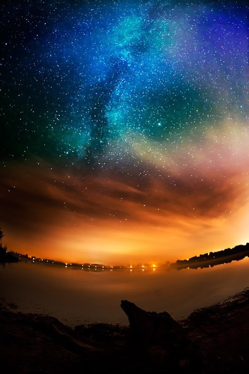 senerii:  Milky way by ikrisk1 on Flickr.