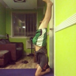 headstand supported by wall :) #yoga #yoga #yogi #YogaADay #fitness #bendyyogis #aprilfalls #handstandmadness #springbalance #yogapose #balance #madaboutyoga #asana #yoga2013 #yogaeverywhere #feeltheyogahigh #flexibility #dance #inspiration #progress #bestoffitness #instadaily #instamood #instapic #bestoftheday #photooftheday #picoftheday - @jervin_b- #webstagram
