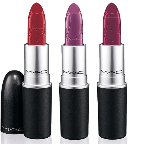 Two of these lipsticks are coming home to mama! 💄💁L-R: RiRi Woo, RiRi Boy & Heaux lipstick in the upcoming RiRi ❤MAC summer collection due June 3rd (or 6th) @badgalriri #ririheartsmac #lipstickaddict #mac #fashionrunstheworld #makeup #makeupaddict #instapic #instadaily