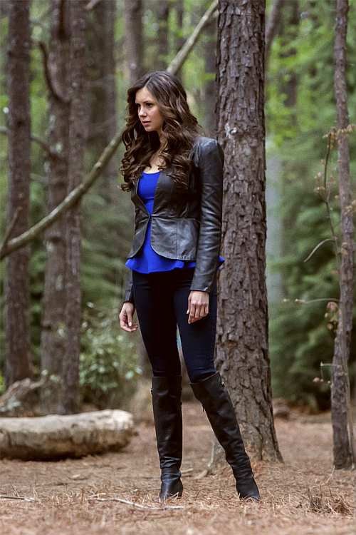 Katherine Pierce - 4.22 The Walking Dead Still
