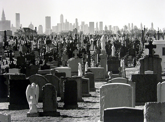 Evelyn Hofer, Cemetery Queens, New York, 1965