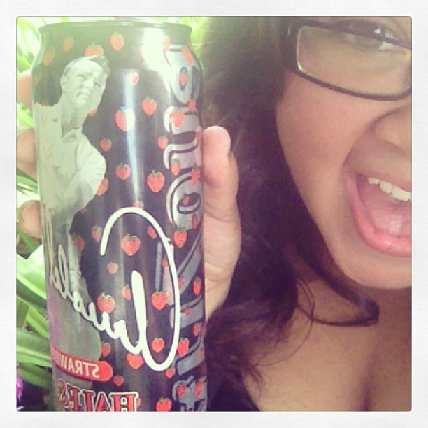 What?! New Arnold Palmer Strawberry🍓🙊 #yumm #summer #arnoldpalmerstrawberry